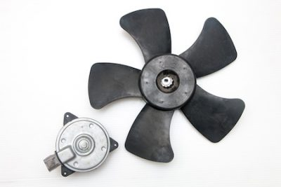 Properly Position the Fan Blades